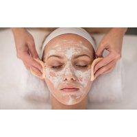 1x oder 2x Beauty-Package mit BABOR Produkten inkl. Dekolleté-Massage und Maniküre im Belviso (bis zu 57% sparen*)