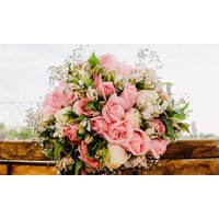 50% off Fresh Flower Bouquets, Gifts and Cushions Delivery from Roses and Cushions