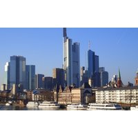 Frankfurt/Main: Queen Room inkl. Frühstück und Late Check-out in Hampton by Hilton Frankfurt
