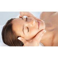 """Klassische Gesichtsbehandlung oder  """"Luxus""""-Gesichtsbehandlung in der Kosmetik Praxis AusZeit (bis zu 43% sparen*)"""