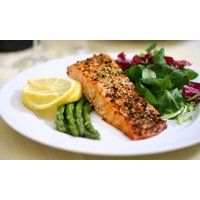Wertgutschein über 20 € anrechenbar auf alle Speisen für 2 Personen im Bistro Emmafisch