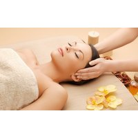 60 Min. Basis-Gesichtsbehandlung inkl. Massage mit Serum, opt. mit Maniküre, in der Hautlounge (bis zu 56% sparen*)