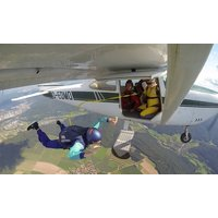 2 Tage Fallschirm-Schnupperkurs inklusive Sprung aus ca. 1500 Metern bei Air Sport (64% sparen*)