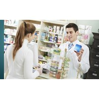 Wertgutschein über 30 € oder 50 € anrechenbar auf alle rezeptfreien Produkte der Ahorn Apotheke
