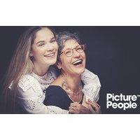 Generationen-Fotoshooting inkl. Make-up und 3-4 Bildern als Ausdruck und Datei bei PicturePeople (bis zu 73% sparen*)