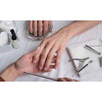 45 Min. Maniküre für Frauen oder Herren oder Nagel-Refill- oder Neu-Modellage bei Arte & Bellezza (bis zu 45% sparen*)