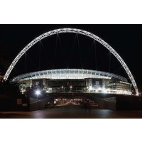 STANSTED AIRPORT to WEMBLEY STADIUM Private Transfer for 4-6 Travelers