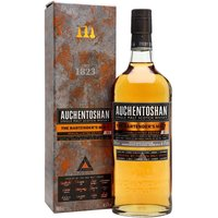 70cl / 47% / Distillery Bottling - The first edition of Auchentoshan Bartenders Malt was created by 12 competition-winning bartenders. Comprised of whiskies distilled between the 1970s and the early-2010s, this has notes of brioche, milk chocolate and dark apricots.