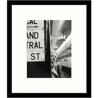 Getty Images Gallery - Marilyn In Central Station Framed Print, 49 x 57cm