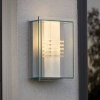 Energy efficient SOL outdoor wall light
