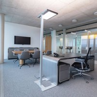Luctra Vitawork LED office floor lamp 17000 lm