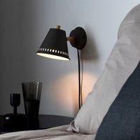 Pine wall light with a plug  black
