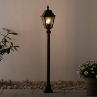 Toulouse path light with an antique design