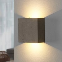 Yva   LED wall light made of concrete