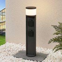 Lucande Corban LED-Sockelleuchte mit 2 Steckdosen