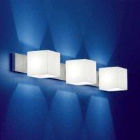 3 bulb wall light CUBE with no glare