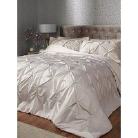 Product photograph showing Ideal Home Florence Bedspread And Pillow Sham Set