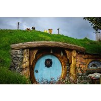 Hobbiton Movie Set,Waitomo Glowworm cave & Rotorua in a Small Group Tour.