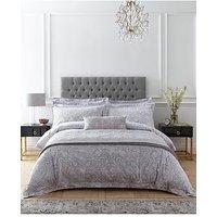 Dorma Hertford Filled Cushion