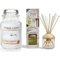Product photograph showing Yankee Candle Fluffy Towels Large Jar Candle And Reed Diffuser Bundle