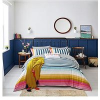 Product photograph showing Joules Cambridge Stripe 100 Cotton Percale Duvet Cover Set