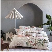 Product photograph showing Riva Home Sansa Duvet Cover Set - Blush