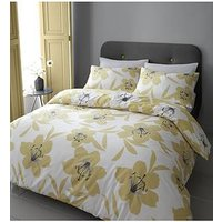 Product photograph showing Catherine Lansfield Lily Duvet Set - Ks