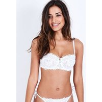 White Lace Floral Embroidered Bra New Look
