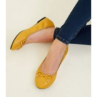 Wide Fit Mustard Bow Front Elasticated Ballet Pumps New Look