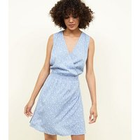 Tall Pale Blue Ditsy Floral Shirred Wrap Dress New Look