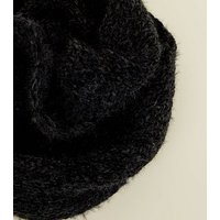 Black Fluffy Chenille Snood New Look