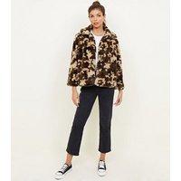 Mela Green Camo Faux Fur Jacket New Look