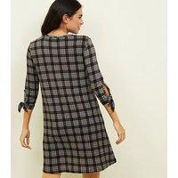 QED Black Grid Print Tie Sleeve Swing Dress New Look