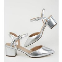 Wide Fit Silver Pointed Low Block Heels New Look