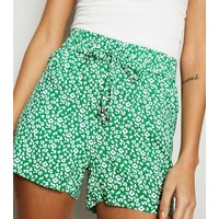JDY Green Floral Shorts New Look