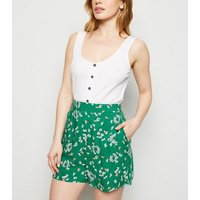 Petite Green Floral Lightweight Shorts New Look