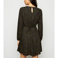 Khaki Leaf Balloon Sleeve Smock Dress New Look