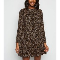 Black Abstract Spot Tiered Hem Smock Dress New Look