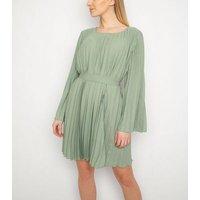 Gini London Mint Green Pleated Dress New Look