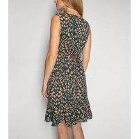 Gini London Green Animal Print Wrap Dress New Look