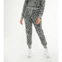 Petite Light Grey Leopard Print Knit Joggers New Look
