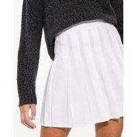 Off White Pleated Mini Tennis Skirt New Look