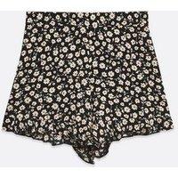 Black Daisy Ruffle Shorts New Look