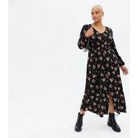 Curves Black Ditsy Floral Shirred Split Midi Dress New Look