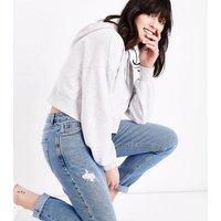 Blue Distressed Tori Mom Jeans New Look