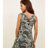 Green Palm Print V-Neck Top New Look