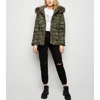 Green Camo Faux Fur Trim Puffer Jacket New Look