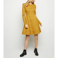 Tall Yellow Ditsy Floral Soft Touch Dress New Look