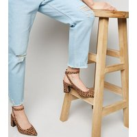 Petite Pale Blue Bleach Wash Ripped Mom Jeans New Look