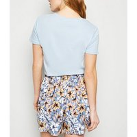 Petite Blue Tropical Floral Shorts New Look